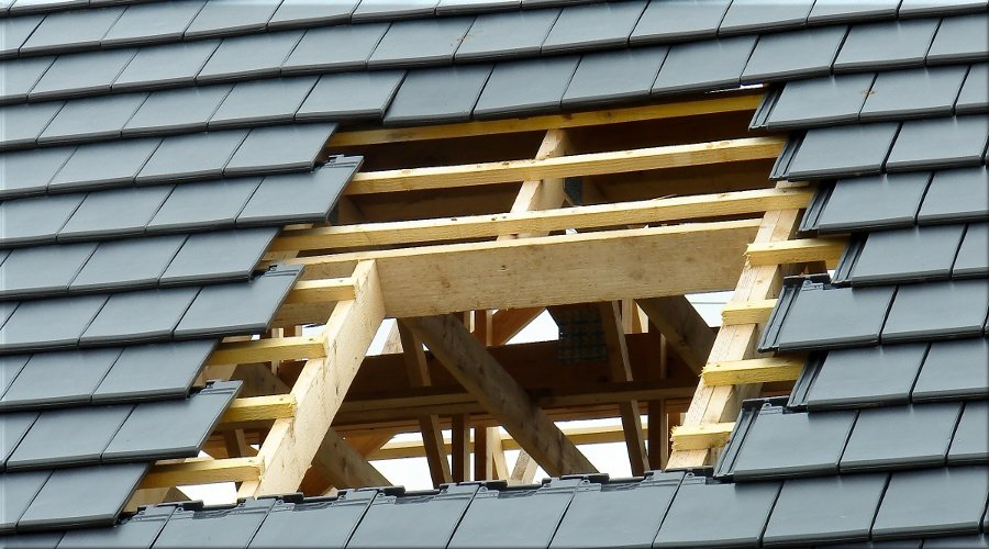 Peut-on poser une fenêtre de toit sans autorisation ?