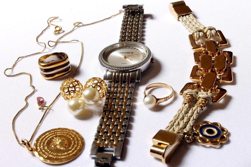 Les différents types de bijoux pour femme