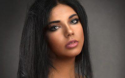 Le maquillage permanent pour souligner un regard avec un effet naturel